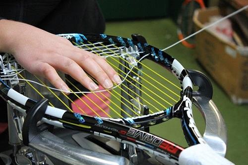 Tư vấn cách chọn dây căng vợt tennis đúng chuẩn nhất