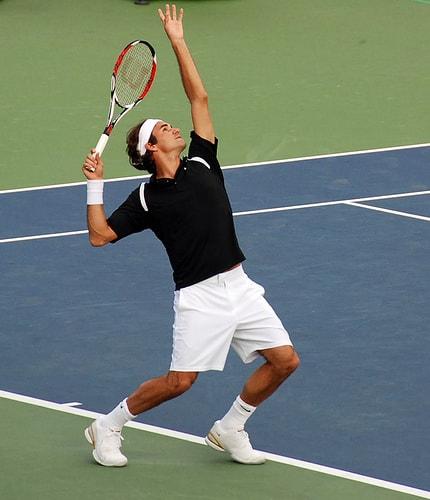 Chi tiết cách giao bóng tennis chuẩn nhất của Roger Federer
